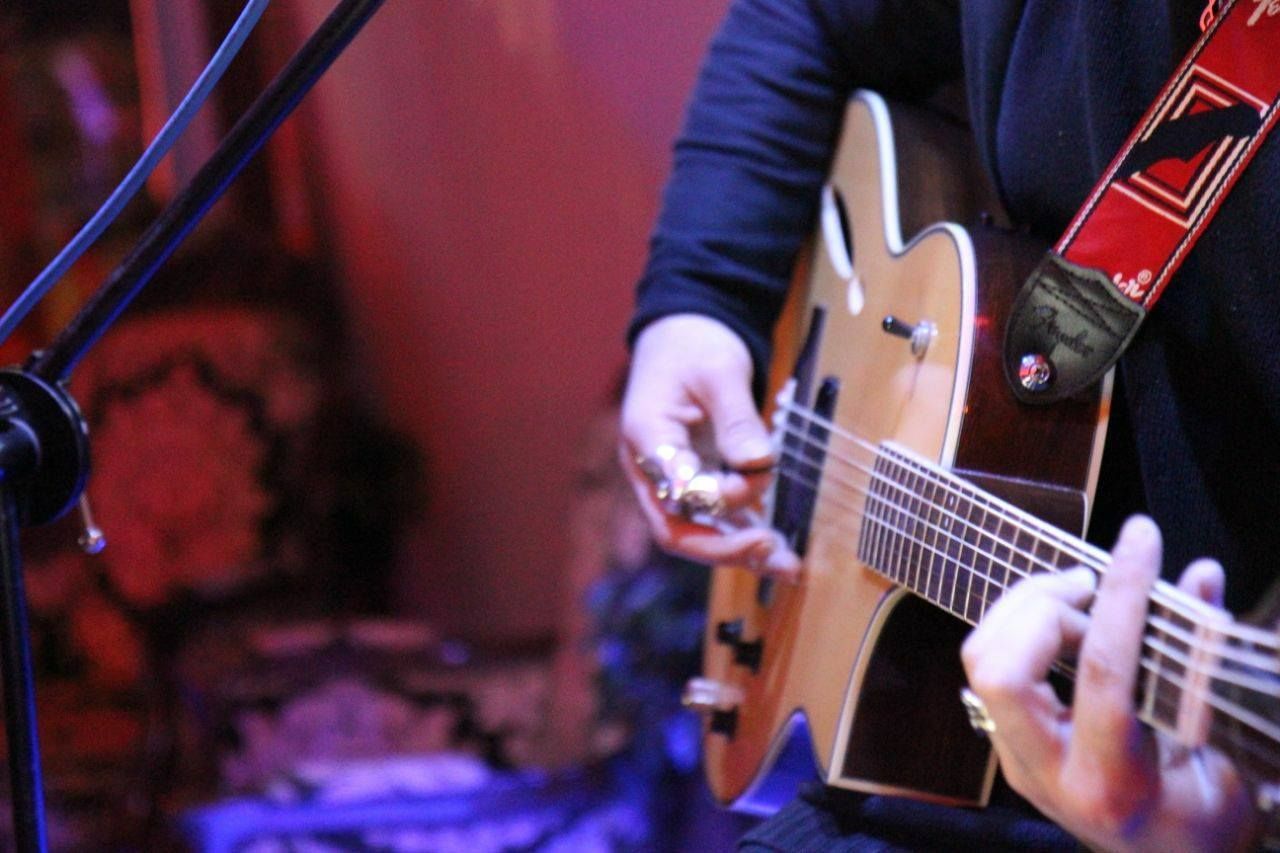 Muzica live la Oficiul 1