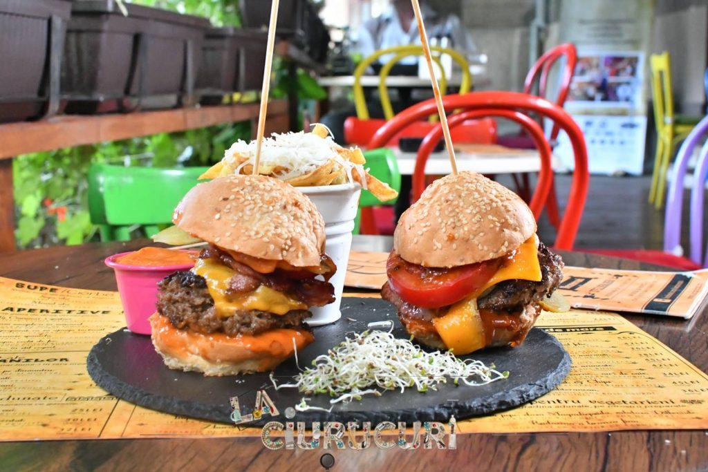 1 + 1 gratis burgeri la ciurucuri weekend 15-17 martie