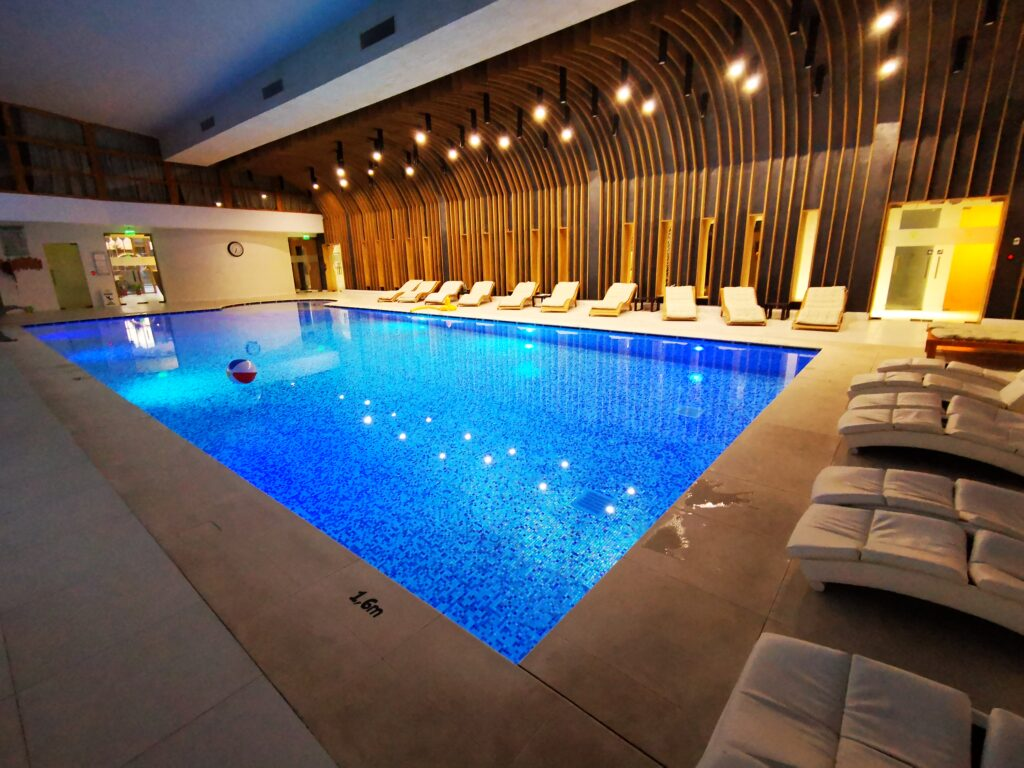 piscina forest retreat spa
